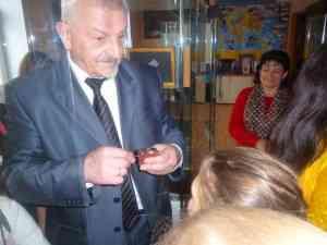 Тютюнник В.М. проводит экскурсию в Нобелевском музее